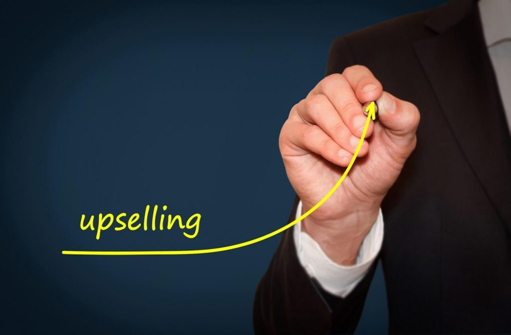 Using Live Chat for Upselling Can Increase Your Revenue