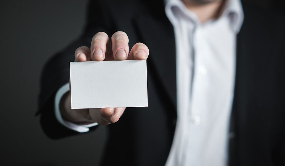 Plain Business Card VS The Importance of Professional Business Card Printing