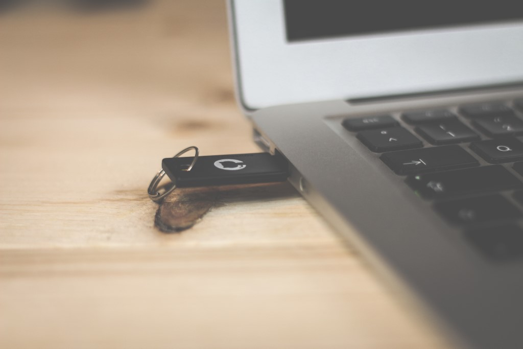 Are USB Flash Drives Still Relevant For Businesses?