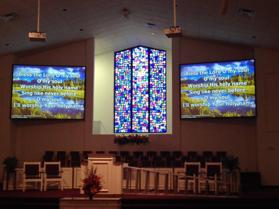 Best Projectors For Churches image