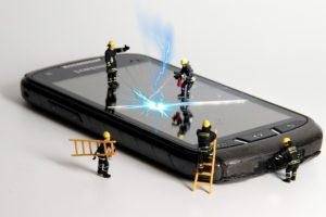 DIY Repair vs. Professional Phone Repair - Getting the help you need