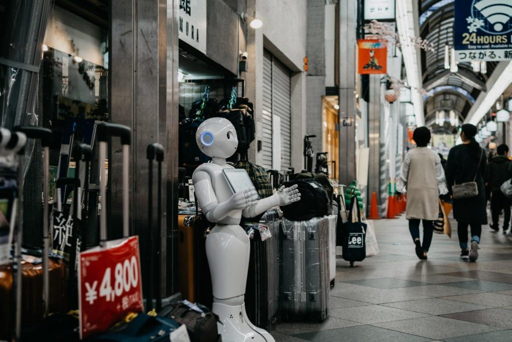 Social Robot, Autonomous Robot, Chatbot - Must Have Tactics Every E-commerce Business Must Use in 2019
