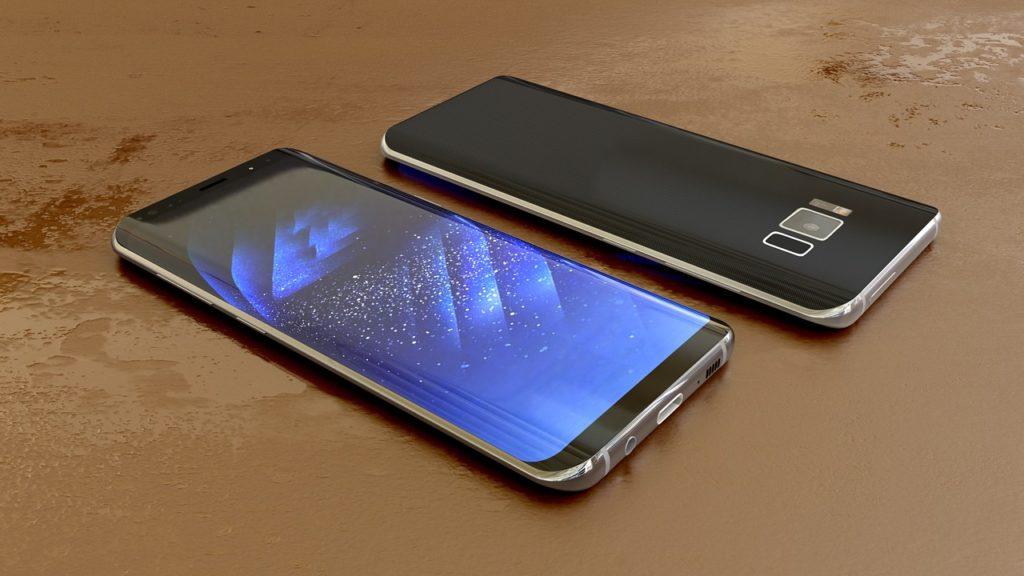 Samsung Galaxy S10 Smartphone. Image by Monoar Rahman Rony from Pixabay.
