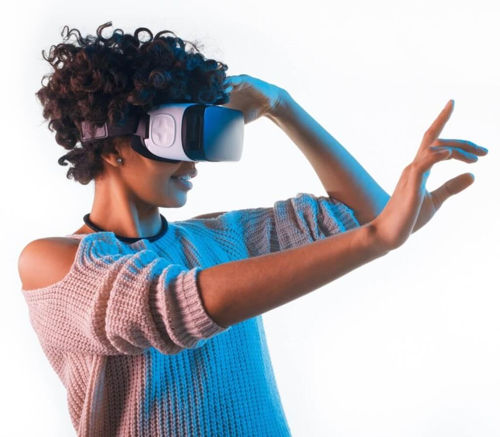Virtual Reality (VR), Augmented Reality (AR)