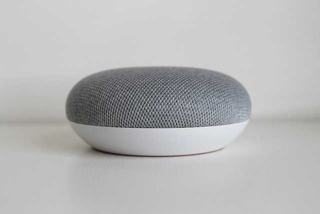 Google Home Mini, Google Assistant, Voice Assistant Technology, Tech Gadget.