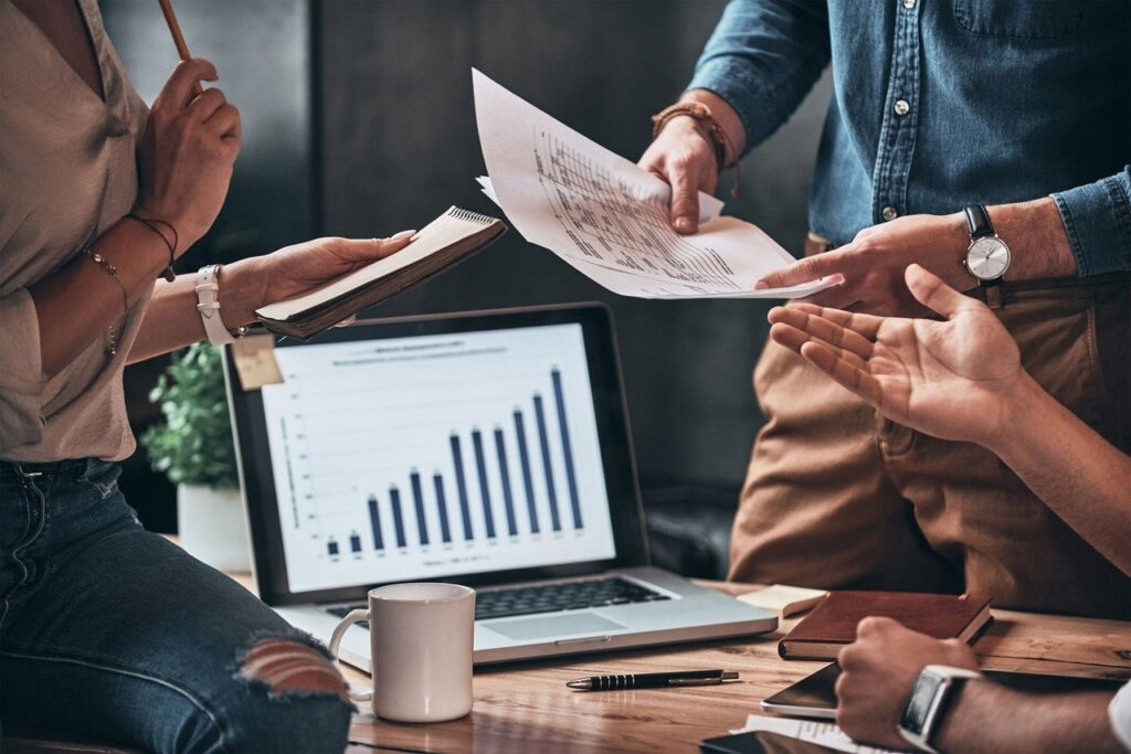 Schedule Employees, Workplace, Analyze Data, Employee Scheduling, Employee Engagement.
