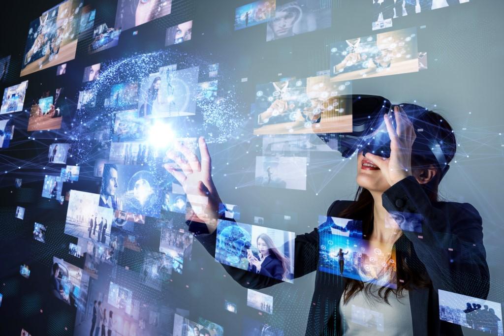 Virtual Reality (VR) Technology
