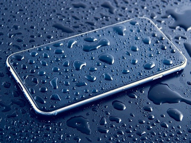 Dry Out Your Wet Smartphone the Right Way.