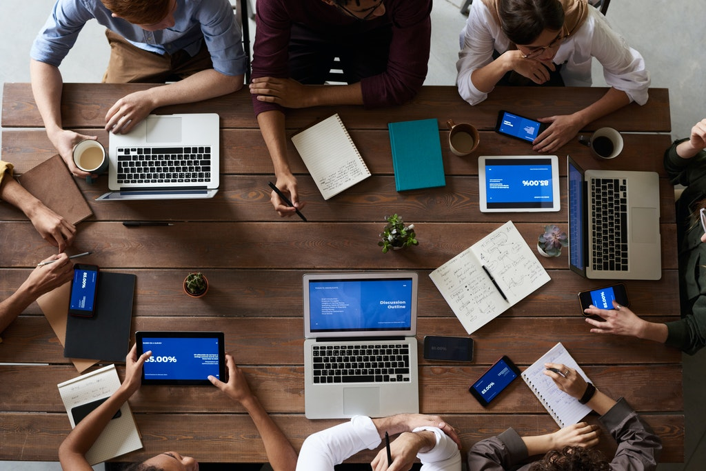 7 Ways Technology Makes The Workplace More Efficient